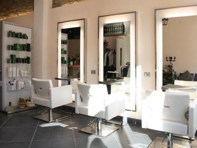 Salon Ambience Essenziale